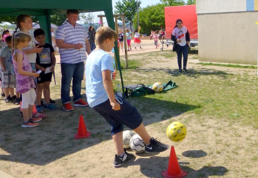 Fußball, Leon
